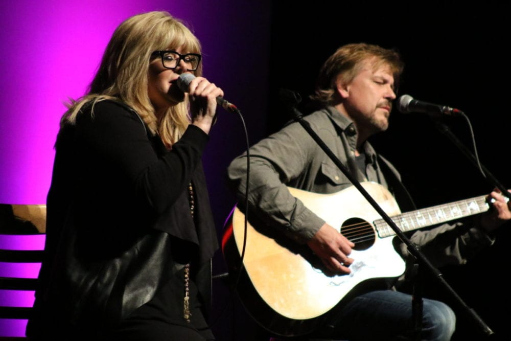 Country Star O'Neal Graces Foothills Stage | AllOTSEGO.com